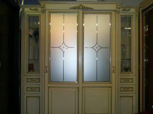 Классический шкаф купе массив с фацетными зеркалами и гравировкой Барнаул