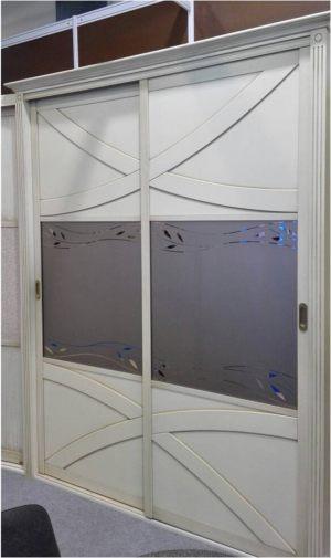 Классический шкаф купе с эксклюзивным декором Барнаул