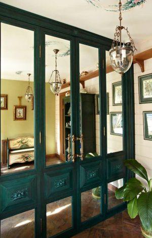 Распашные двери филенкой и декоративными накладками Барнаул